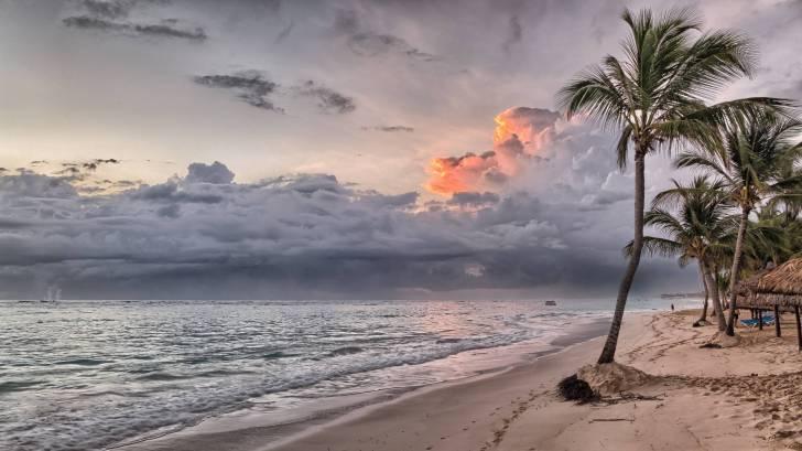 DR beach scene