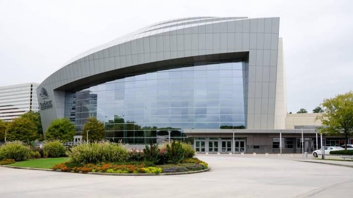 cdc building in Atlanta