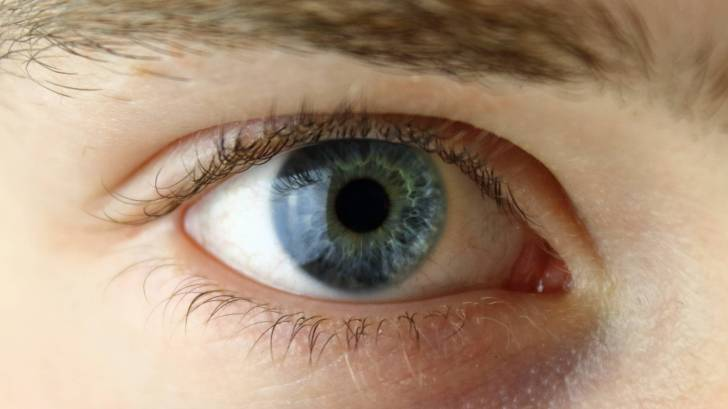 blue eye ball