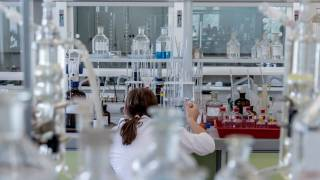 medical lab researchers
